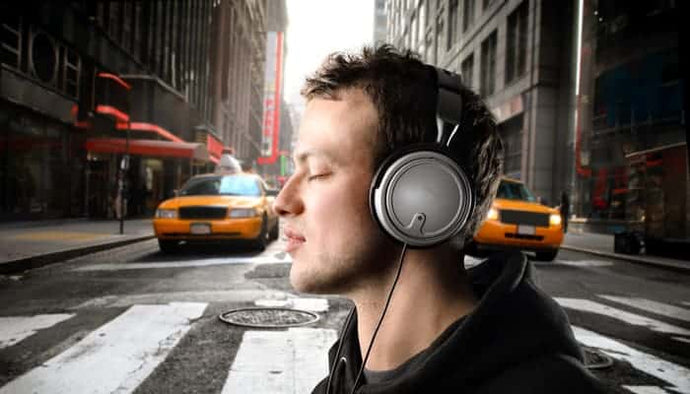 9 Best Noise Isolating Headphones in 2020