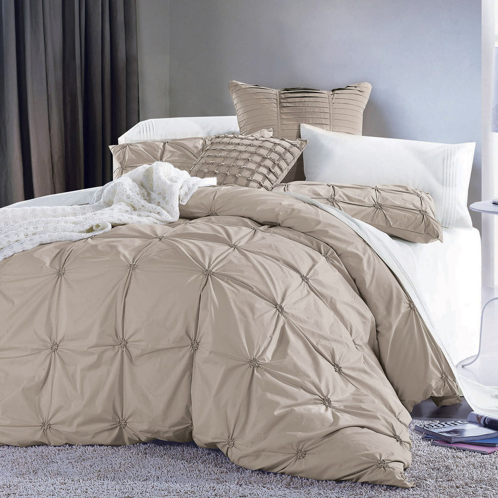 EPOQUE EMBROIDERED DUVET SET