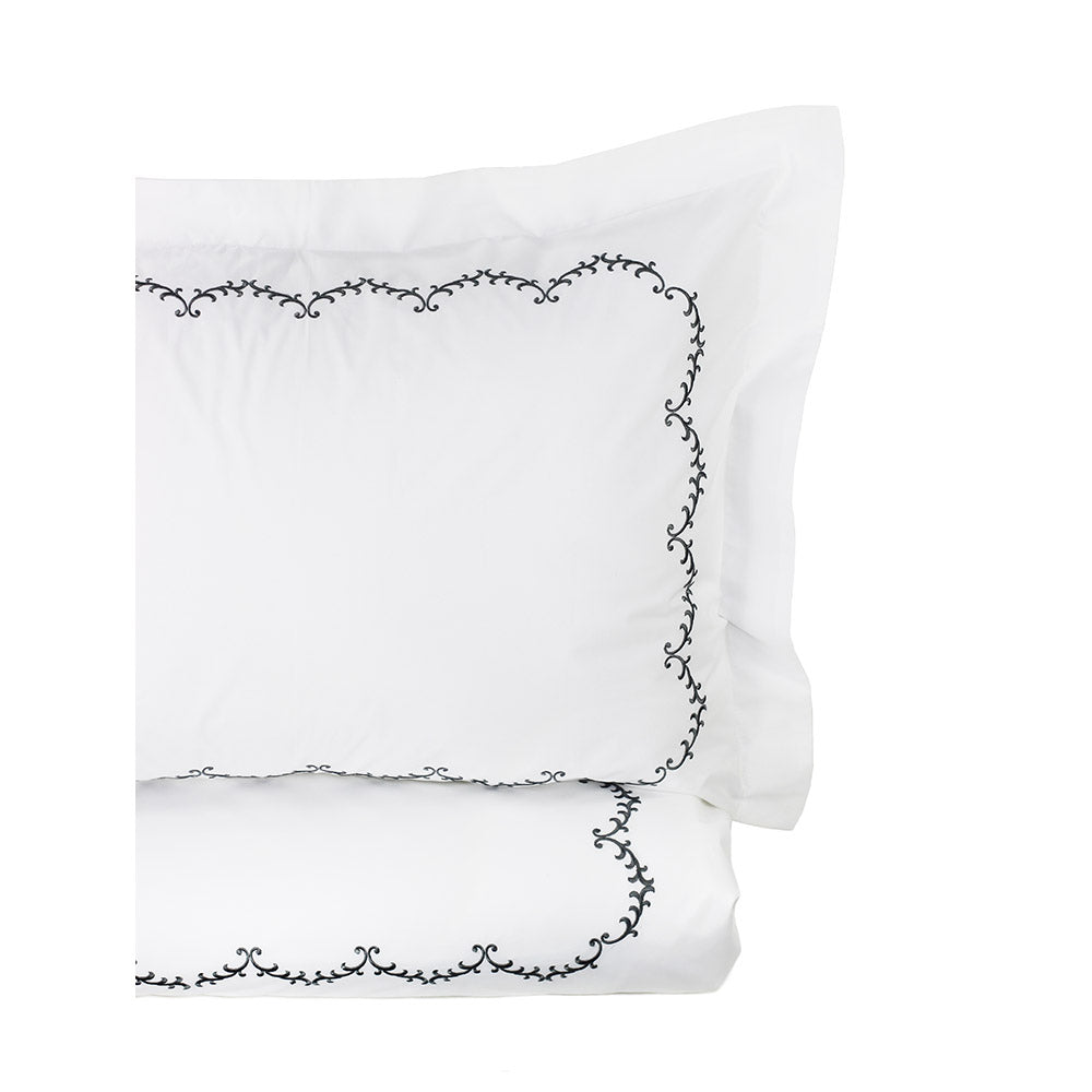 LAUREL EMBROIDERED DUVET SET