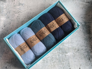 5 Ball Drops Alpaca Christmas Gift Box
