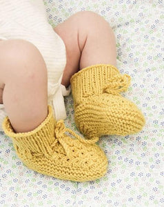 Stroll in the Park Booties by DROPS Design