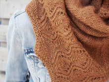 Load image into Gallery viewer, Tiliana Shawl Knitting Kit