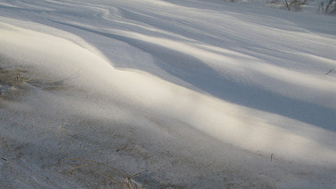 snow-wave-a-wave-made-from-snow-and-wind