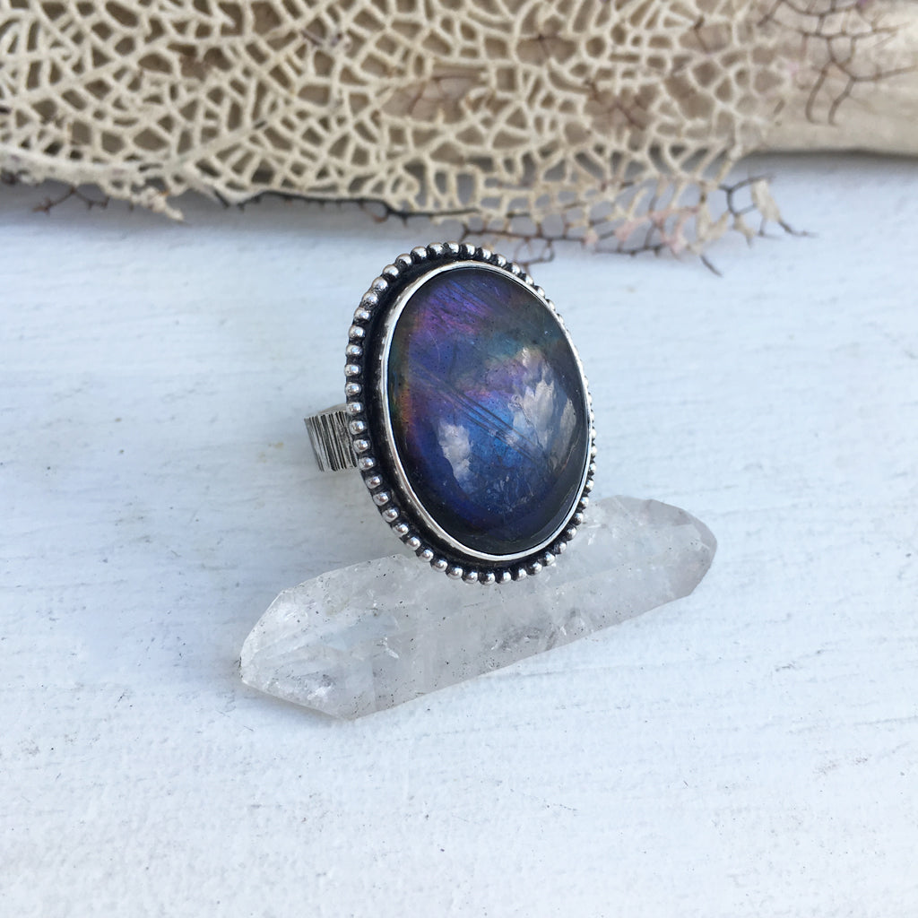 Handcrafted-Flashy-Labradorite-Ring-in-SterlingSilver
