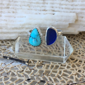 Handcrafted-TwoTreasures-Ring-Kingman-Turquoise-and-SeaGlass-in-SterlingSilver-by-SpecialJCreations