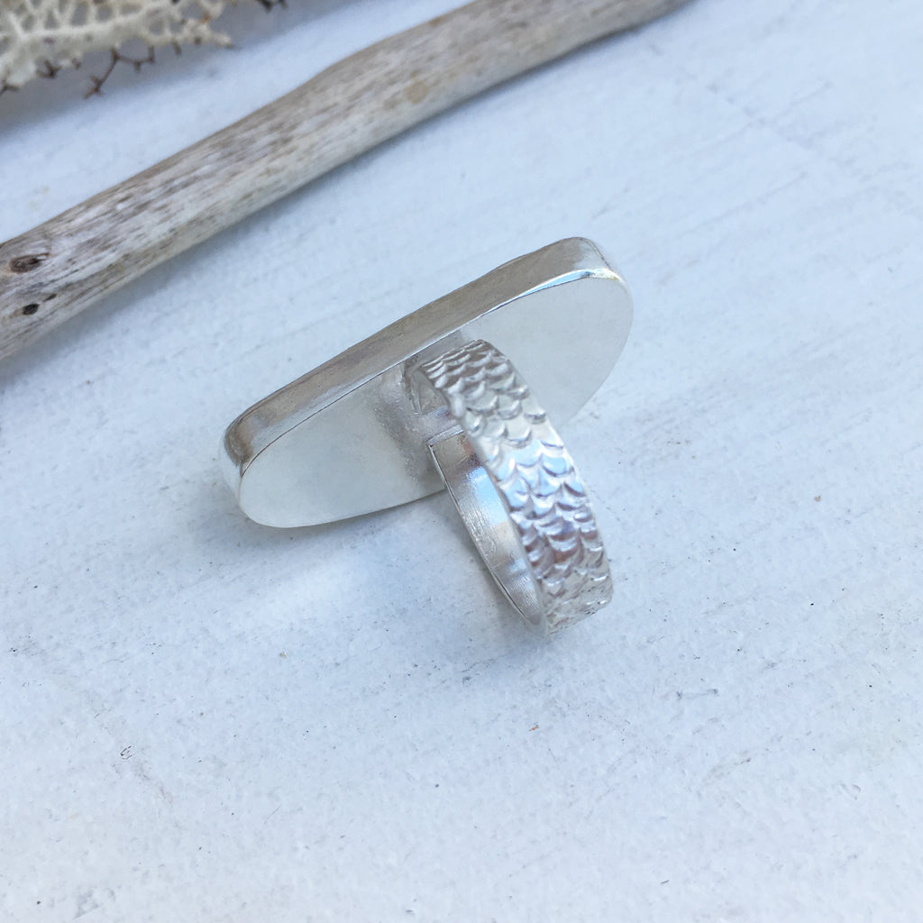 Rare-Seafoam-Seaglass-and-Sterling-Silver-Ring-with-Textured-Band-Showing-Band-Detail-2