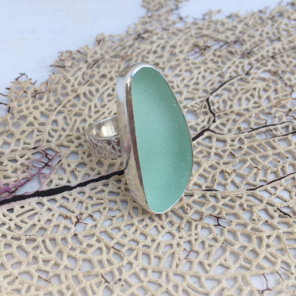 Seafoam-Seaglass-and-Sterling-Silver-Statement-Ring-with-Fishscale-Band