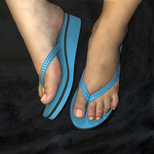 Load image into Gallery viewer, Ocean Blue PawMat Flip Flops with Rhinestones