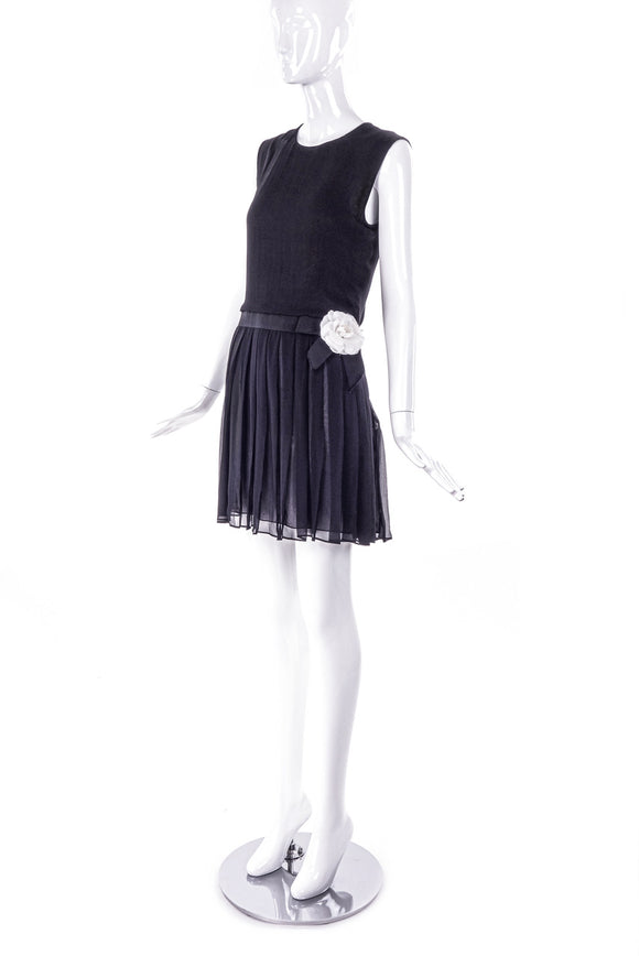 Bill Blass Chiffon Pleat Tennis Skirt with White Flower