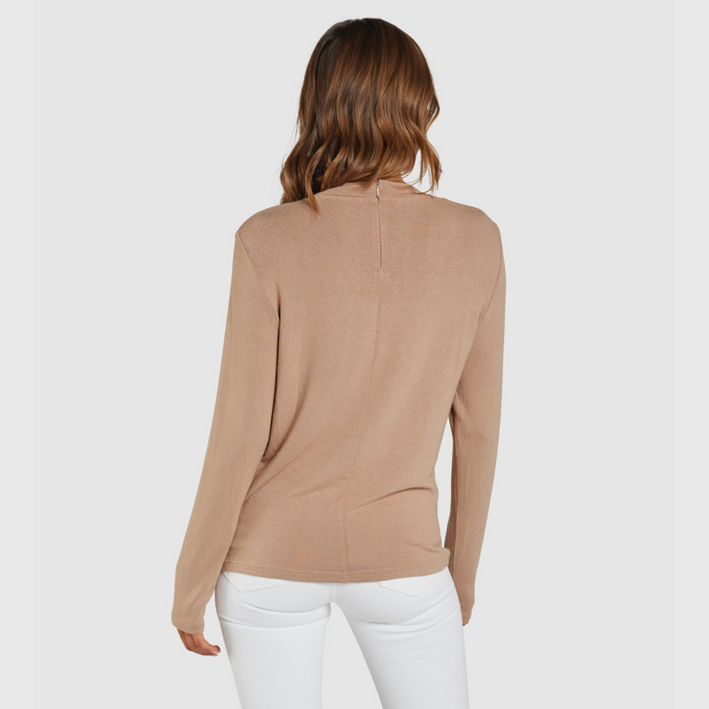 Apero Blaise Embroidered Long Sleeve Tee (Beige/White)