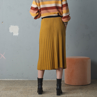 Indi & Cold Pleated Knit Skirt