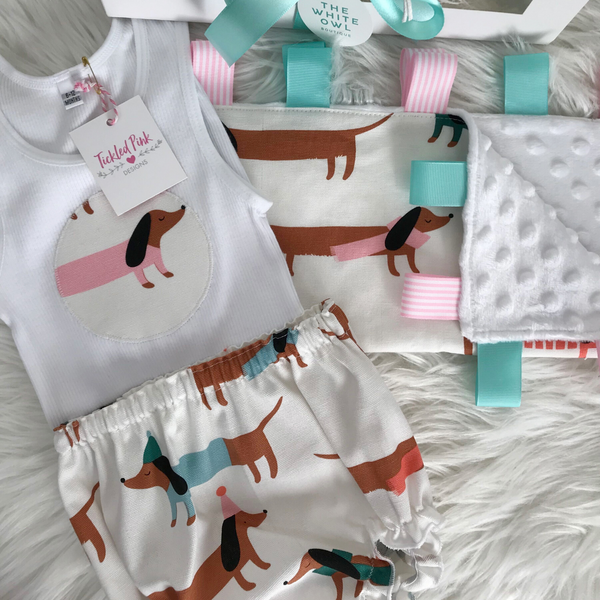 Tickled Pink Baby Gift Pack (Puppy Love)