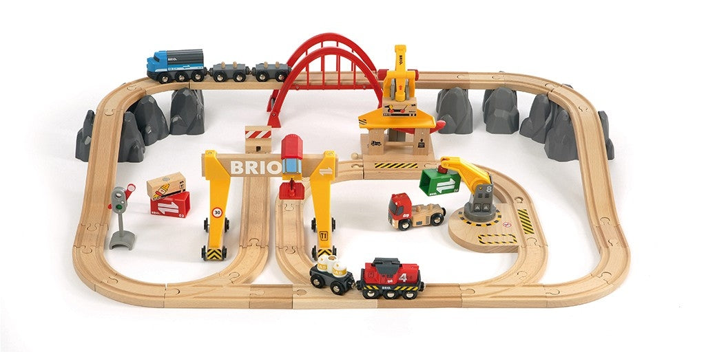Cargo Railway Deluxe Train Set - Brio