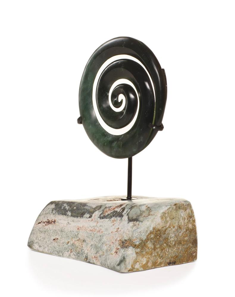 Jade and Greenstone (pounamu), Sculptures