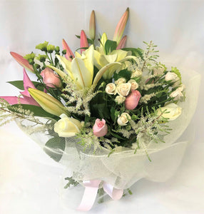 classic cream and pink bouquet, anniversary, Birthday, Valentines and Sympathy,