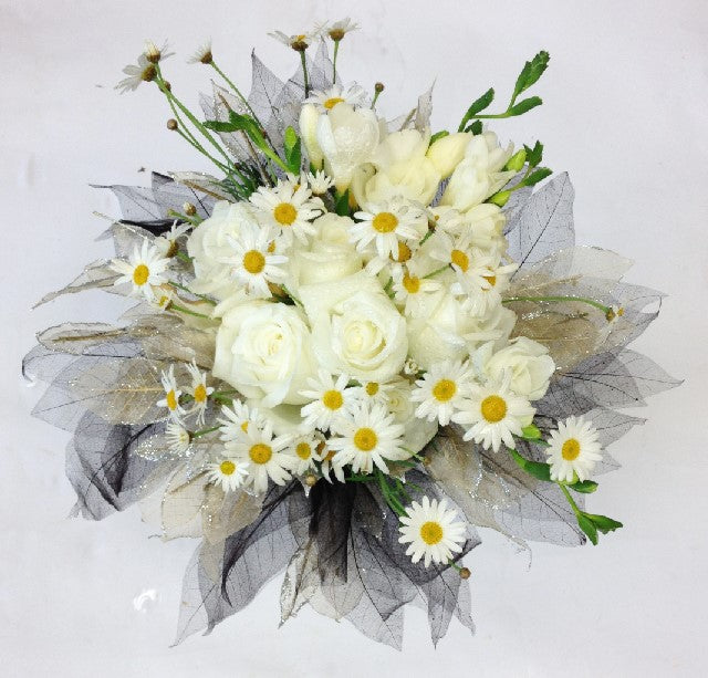 Gathered Country style wedding bouquet