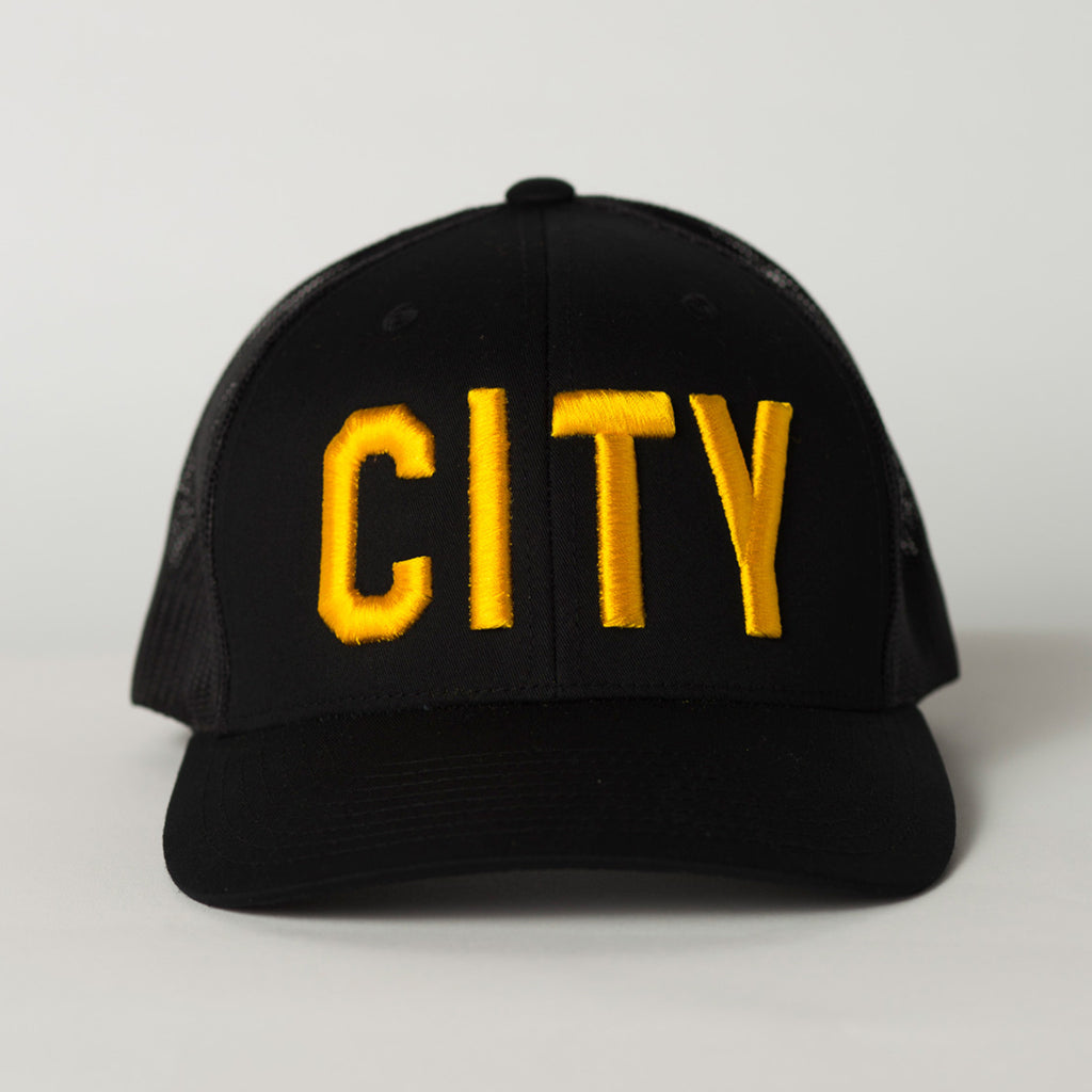 front view CITY Trucker Hat black