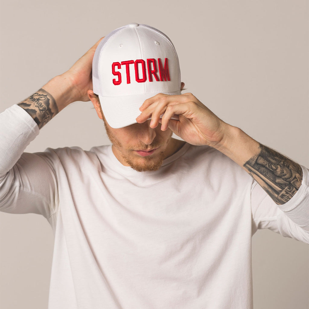 front view on model STORM white trucker
