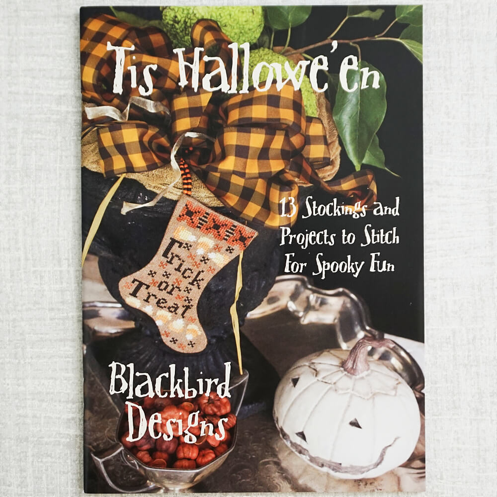 Tis Hallowe'en counted cross stitch booklet