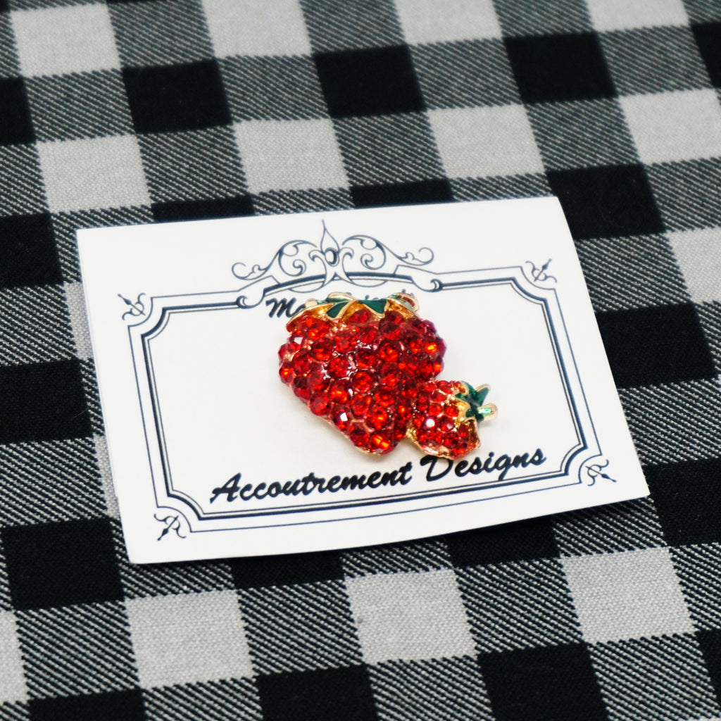 strawberry needle minder by accoutrement designs