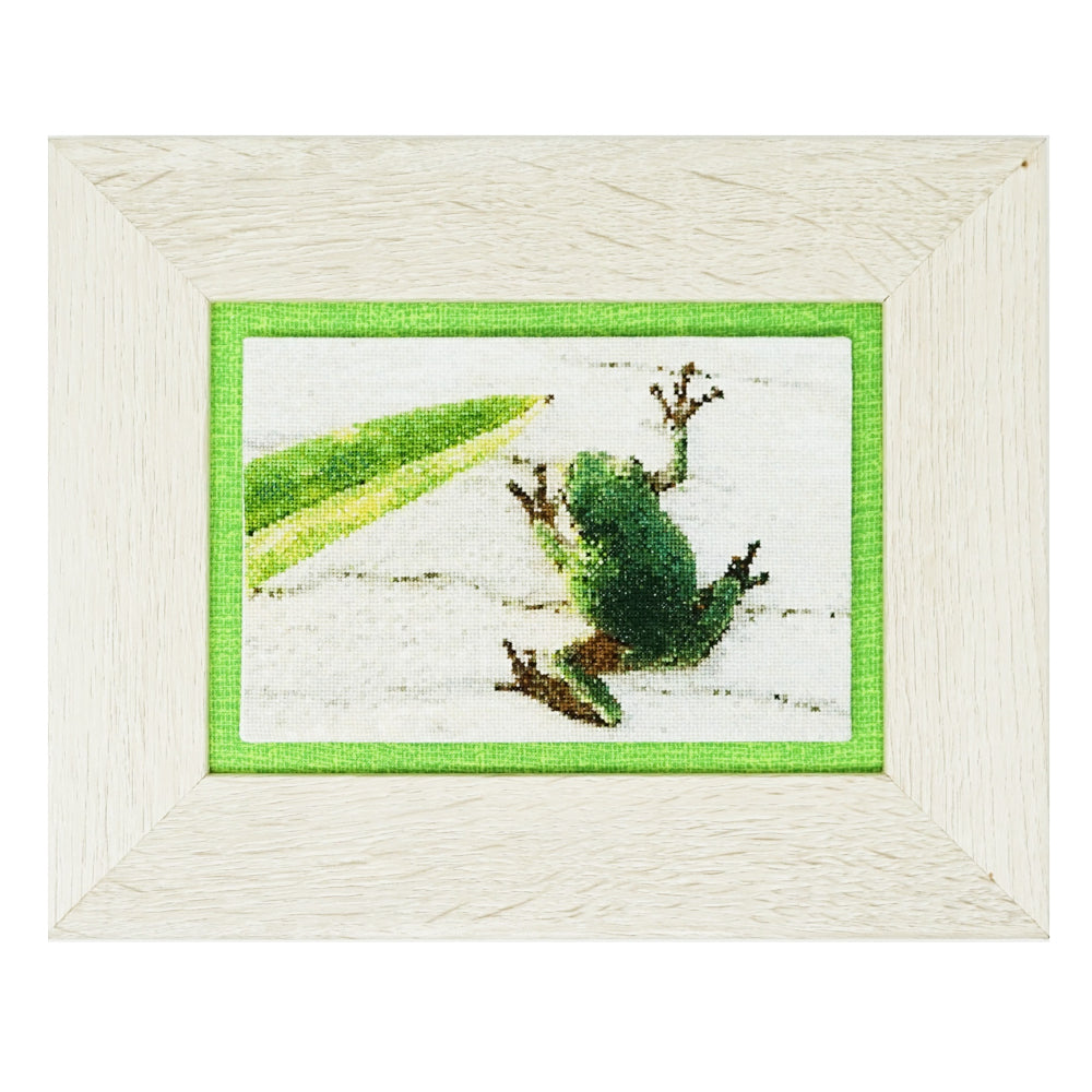 Mini Tree Frog full coverage cross stitch pattern
