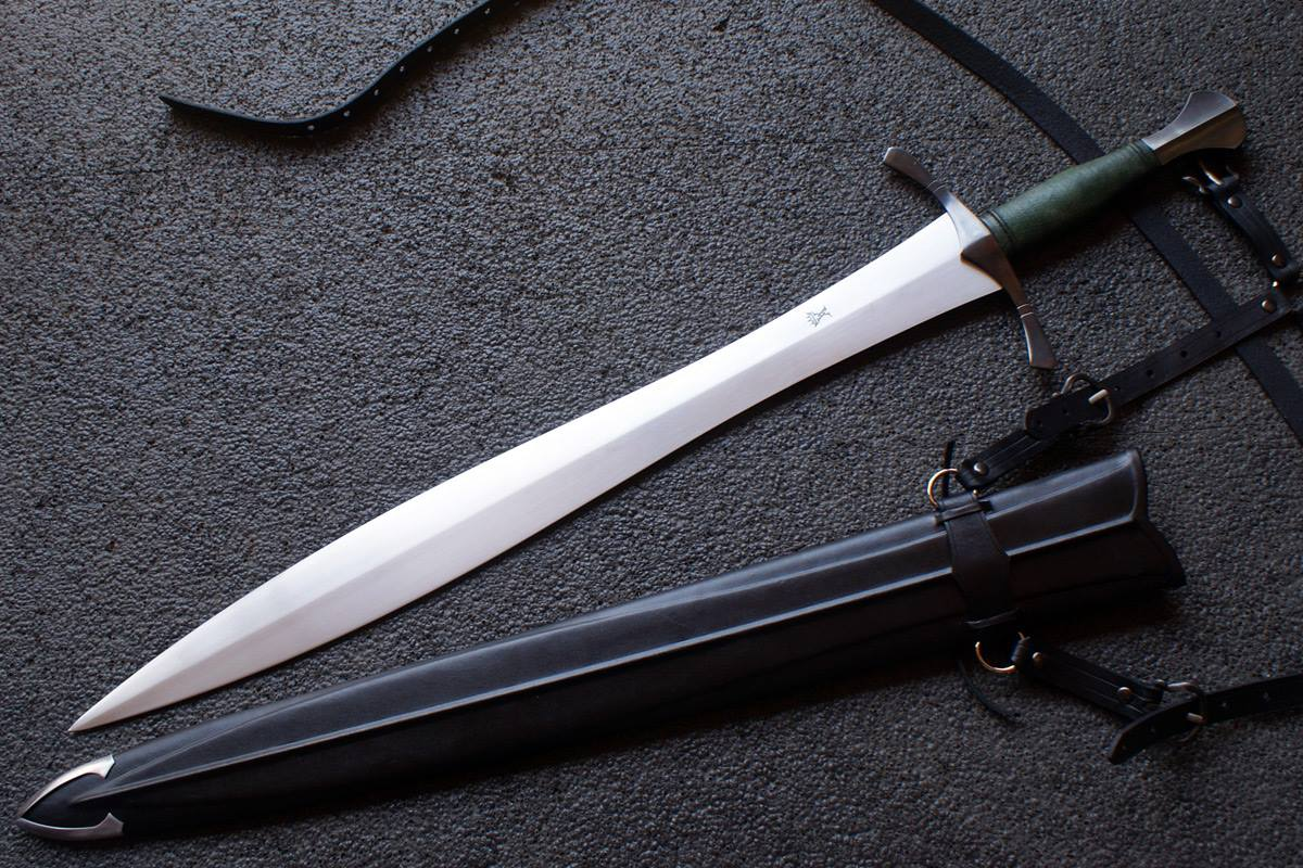 VA-312-Craftsman Series - The Short Leaf Blade Sword