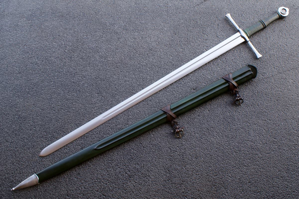 VA-402-Signature Collection - The Kriegschwert Medieval Long Sword