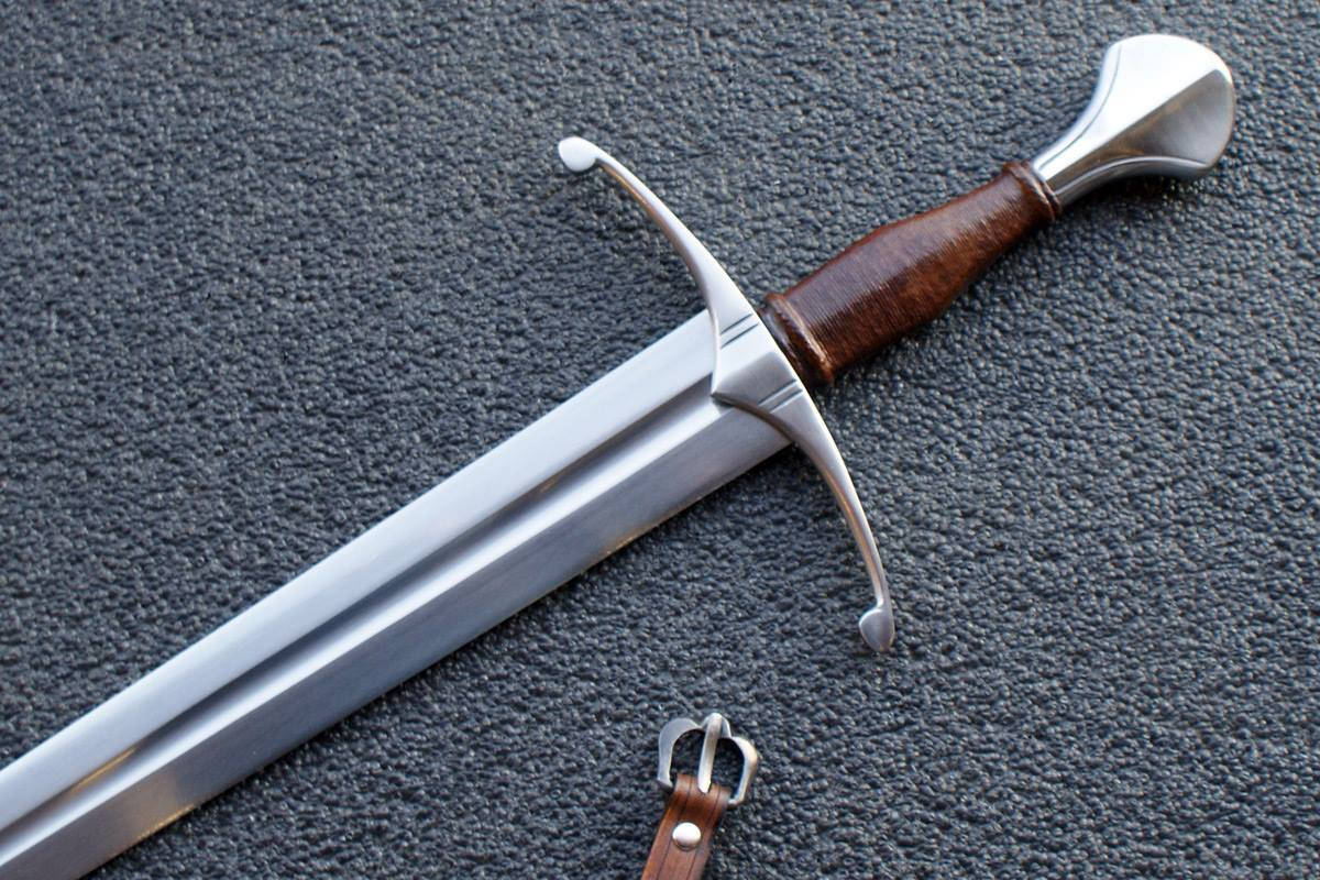 VA-403-Signature Collection - The Bristol Medieval Arming Sword