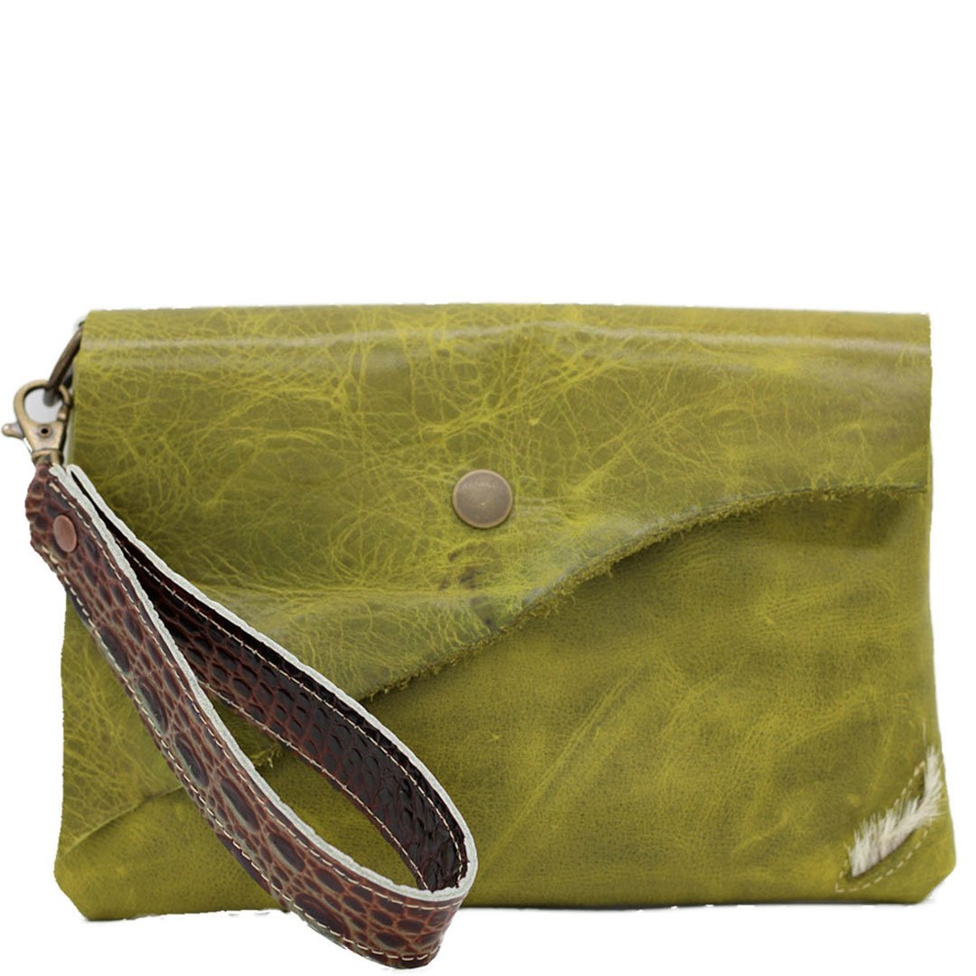 Noveled leather wristlet walllet