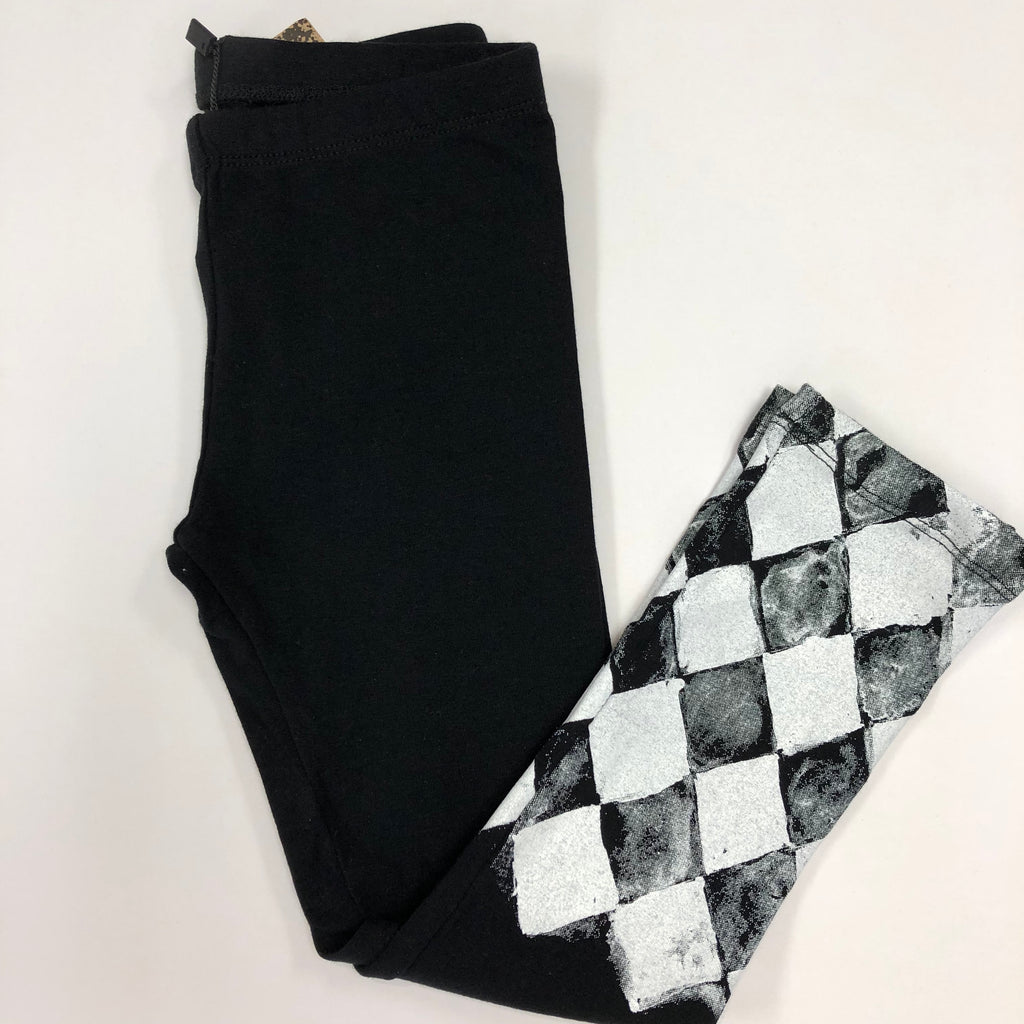 Leggings/Black & White Diamond Shapes