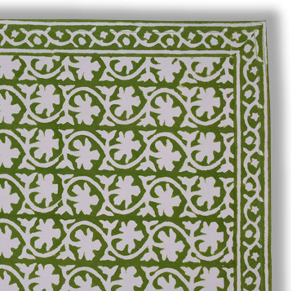 clover place mats at pigotts store