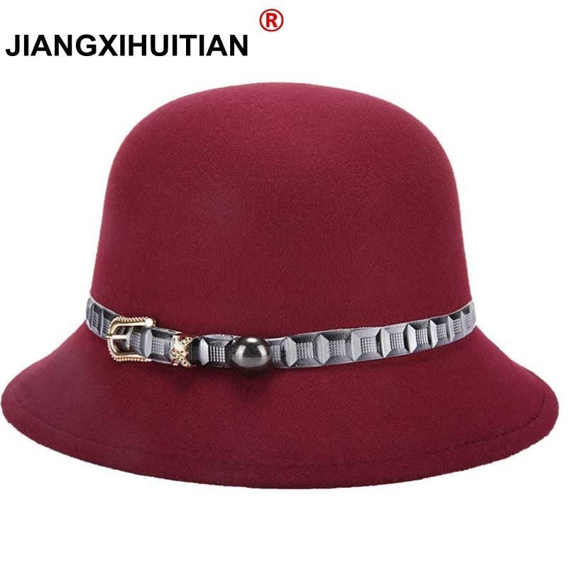 bf4e5406d1ed5 2017 New Fashionable Women Super warmth Wo Black Burgundy Red GD  decorationFedora Hat With Gold Chain For Ladies