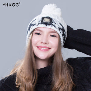 2017 with a picture of the cute little baby hat woman's hat Winter package man warm and beautiful