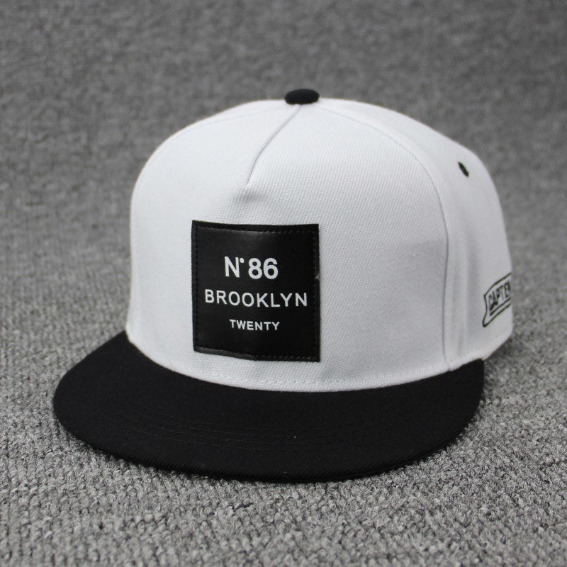 2018 Fashion Men Womens BROOKLYN Letters Solid Color Patch Baseball Cap Hip Hop Caps Leather Sun Hat Snapback Hats brooklyn N86