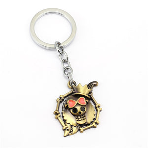 J store One Piece Keychain White beard Luffy Straw Hat Skull Thousand Sunny Monkey D Luffy Straw anime KeyChain porte clef