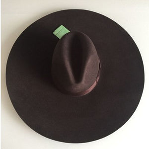 LIHUA Big Brim Hat ,Women 's wave Wo Felt Bowler Hat ,6 inch Large eaves Beach Top Caps , Performance Show Hats.