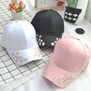 0a4ac15b926 New Arrival Women Korean style Flower Embroidery Baseball Cap Fashion Retro  hat Curved Cap Eaves Lovers
