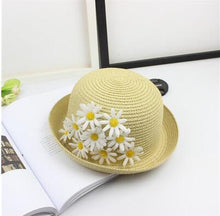 Load image into Gallery viewer, Mom and Child sun Hats Summer color Daisy bowknot Style Child Sun hat Girl Floppy Wide Brim Beach Cap Flower Straw Hats