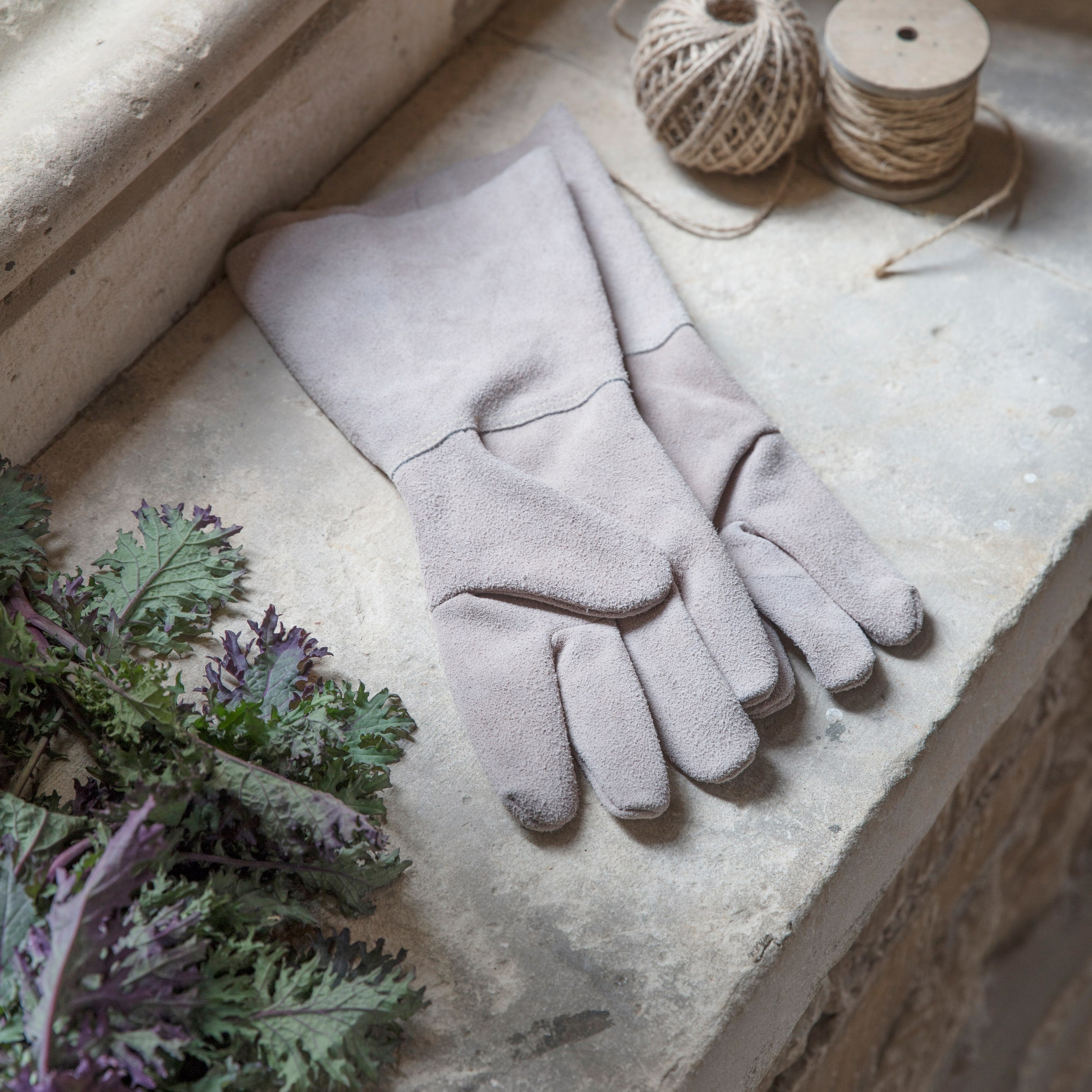 Natural Suede Gauntlet Gloves
