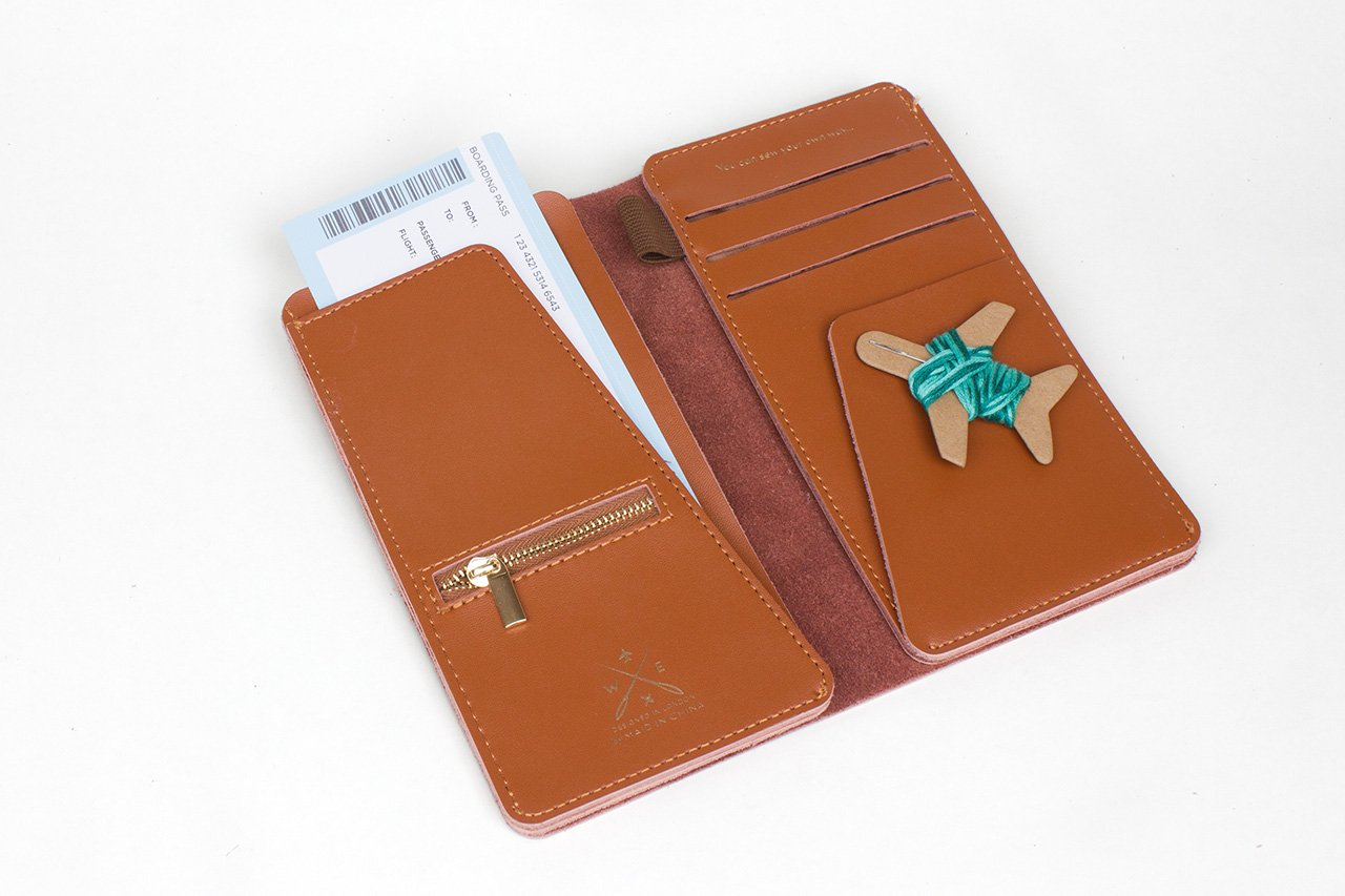 Stitch Travel Wallet - Leather - Tan