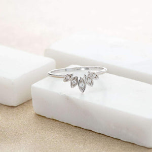 Sparkling Five Petal Ring  - Silver