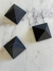 Crystals - Shungite Pyramid