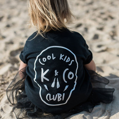 KIDULT & CO COOL KIDS CLUB UNISEX TEE
