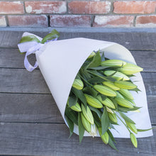 Load image into Gallery viewer, White Fragrant Lilies