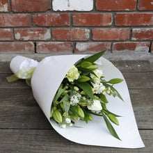 Load image into Gallery viewer, Elegant White and Green Bouquet
