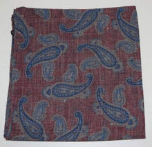Load image into Gallery viewer, Red paisley pocket square Profumo - PPQN30011A