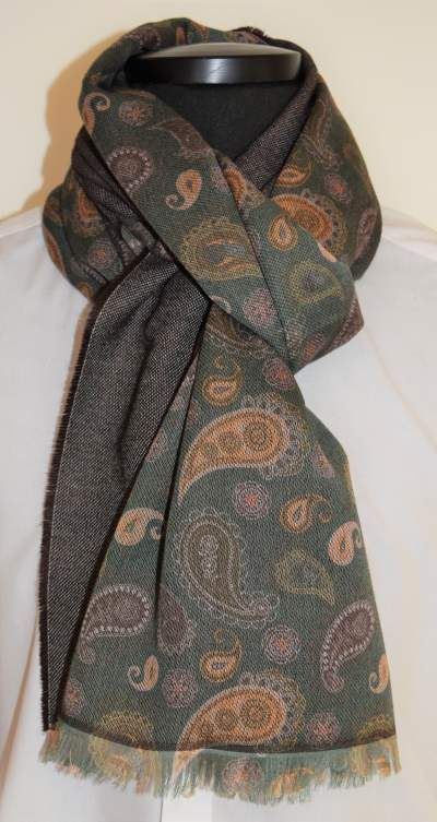 Green paisley scarf State of Art