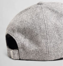 Load image into Gallery viewer, Grey cap Gant - 9900043