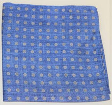 Load image into Gallery viewer, Blue silk pocket square with dots Profuomo - PPRN10014B