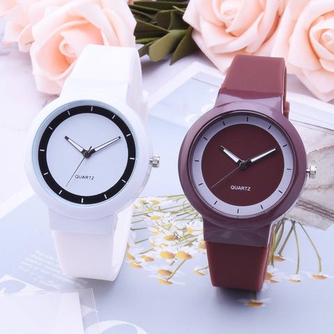 Women's Fashion Silicone Band Analog Quartz Round Wrist Watch